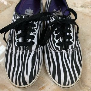 Vans black & white zebra stripes women's 6.5